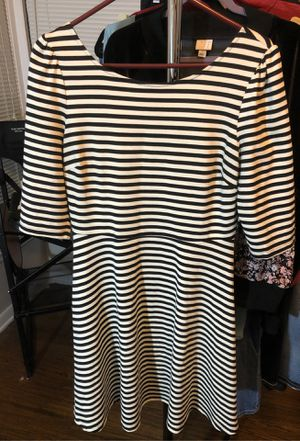 Cream and White striped quarter sleeve dress size L for Sale in Fort Worth, TX
