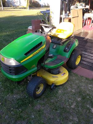 Lawn tractor John Deere 42in cut 125 a 20 hp for Sale in Babson Park, FL
