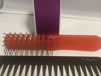 VIA Brush And Comb Set for Sale in Casselberry,  FL
