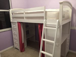School House Loft Bed with desk for Sale in Oviedo, FL