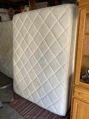 """2 pc Silver Cloud beige 10"""" pillow top queen mattress mattress $40. matching beige 7"""" box spring $20. for Sale in Long Beach, CA"""