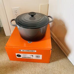 Le Creuset #24 deep pan for Sale in Bellevue, WA