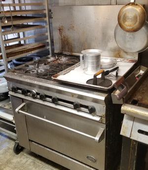 DCS Commercial Restaurant Range & Oven for Sale in Sumner, WA