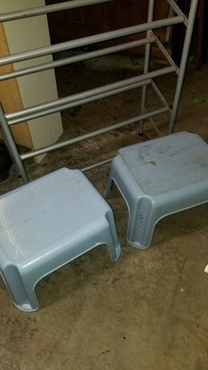 2 Step Stools for $5 for Sale in Kent, WA