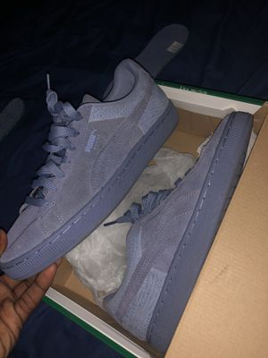 Pumas woman's size 8.5 for Sale in St. Louis, MO