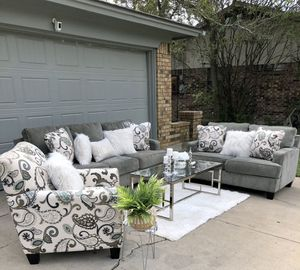 Ashley Home Furniture 🛋 Sofa and Loveseat Set for Sale in Arlington, TX