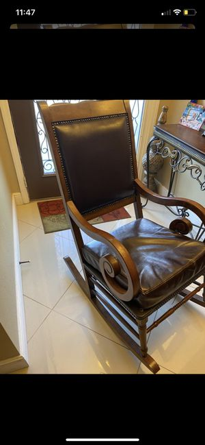 Rocking chair for Sale in Haines City, FL
