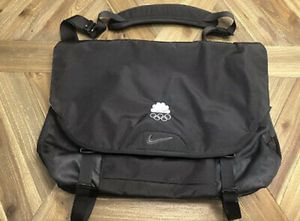 Almost like new NBC NIKE laptop holder/bAg for Sale in Pompano Beach, FL