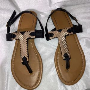 Size 7 sandals for Sale in Lemoore, CA