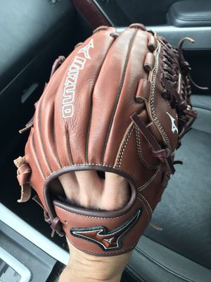Mizuno baseball glove see description for Sale in Canton, GA