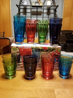 16 Piece acrylic tumbler set for Sale in Puyallup, WA