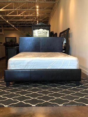 Queen platform bed plus queen size plush mattress for Sale in Grand Prairie, TX
