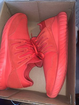 ADIDAS TUBULARS SIZE 10 IN MENS for Sale in Grand Prairie, TX