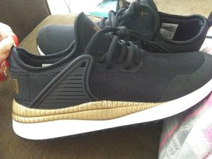 Puma women's size 8 for Sale in Columbus, OH