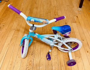 "Disney Frozen 12"" girls bike with training wheels for Sale in Chicago, IL"