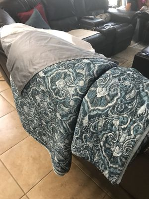 King size Quilt for Sale in Orlando, FL