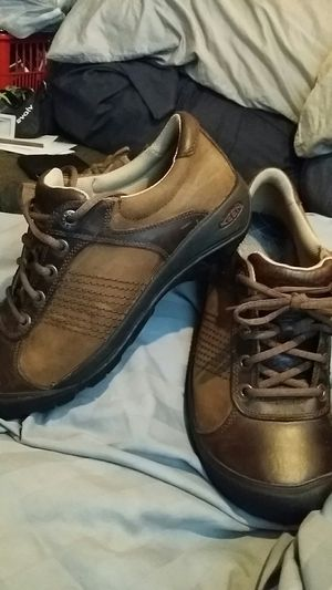 KEEN Finlay Unisex Brown Leather /Suede Shoes Mens 9 Eu 42 should fit Ladies 11 for Sale in Scottsdale, AZ