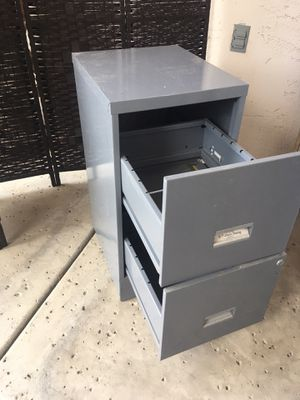 """Metal cabinet / metal file cabinet / storage cabinet 15"""" wide by 18"""" deep by 29"""" tall for Sale in Glendale, AZ"""