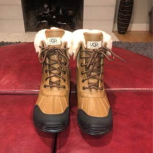 Ugg's Boots Women's Size:8 for Sale in Kirkland, WA