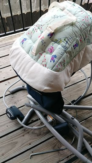 Baby swing .. Graco for Sale in Austin, TX