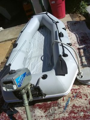 10 ft Solstice inflatable with 2 hp Suzuki outboard for Sale in Seal Beach, CA
