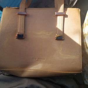 3 Purses for Sale in Simi Valley, CA