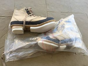 Hodgman Fly fishing boots for Sale in Las Vegas, NV