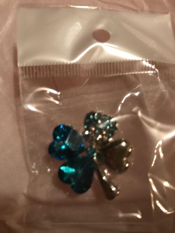 Beautiful Rhinestone Gem Wedding Dress Belt with Blue Pin