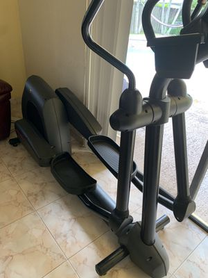 Elliptical exercise machine for Sale in Sunrise, FL