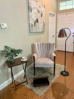 Vintage WingBack Arm Chair for Sale in Elk Grove, CA