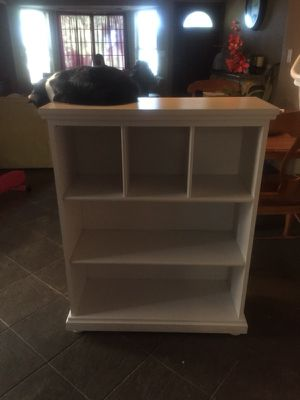 White bookcase for Sale in Santee, CA
