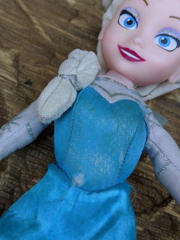 Pre-owned Disney Elsa Frozen / Frozen 2 stuffed animal plush toy doll