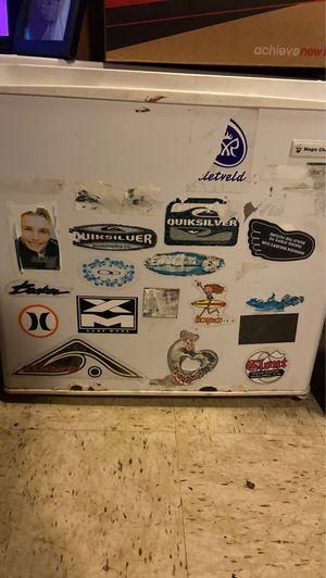 Mini fridge for Sale in Pittsburgh, PA