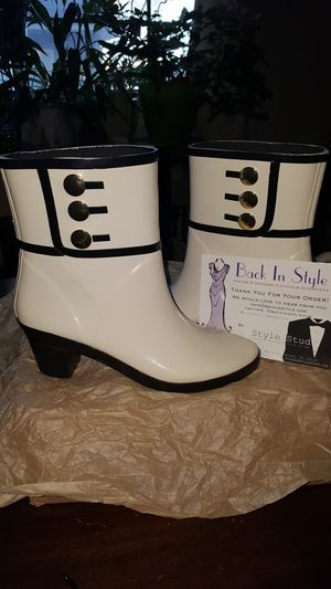 Clean the Closet!-Vintage Kate Spade Rain Boots-SZ 7 for Sale in Hilliard, OH