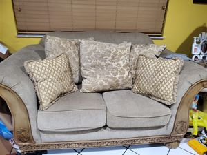 Living room set sofa with love seat 2 end tables with lamps and matching dining table with 6 chairs for Sale in Miami, FL