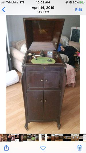 Antique record player for Sale in Brooklyn, NY