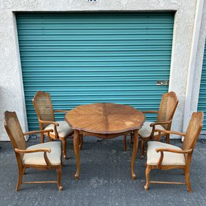 Solid Wood Dining Room Table and Chairs Set for Sale in Fullerton, CA