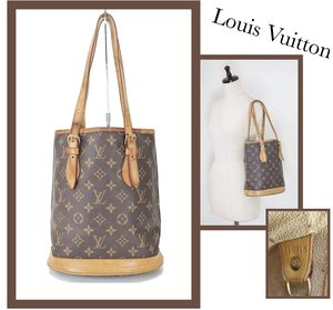 Louis Vuitton Vintage Petite Shoulder Bag for Sale in Wakefield, MA