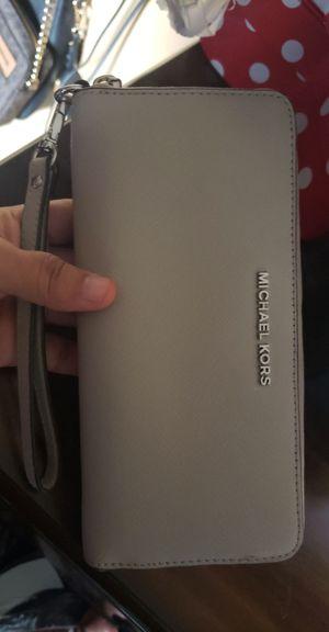 Michael Kors Wristlet Wallet for Sale in Santa Ana, CA