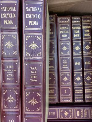 Set of Encyclopedias from 1960, year books from 1961, 1962, 1963 for Sale in San Diego, CA
