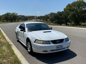 $2200 Ford Mustang 00 - 230k - clean title - cold ac for Sale in San Antonio, TX