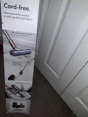 Dyson Vacuum V-8 for Sale in Mesa, AZ