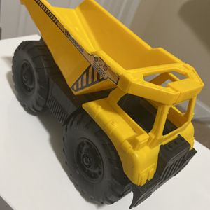 """Vintage Construction Dump Truck Toy 9"""" Long for Sale in Fayetteville, NC"""