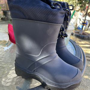 Toddler Snow Rain Boots Size 10c for Sale in Santa Ana, CA