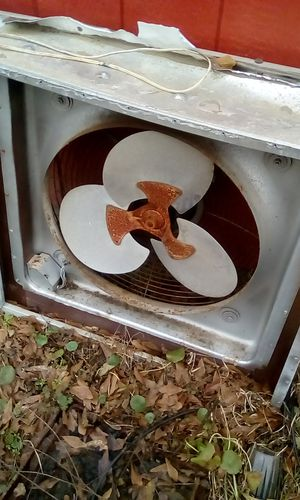 Exhaust fan in/out mode pushes air in or out of window toilet nothing wrong with it and a 220 ac unit just looks ugly for Sale in Prattville, AL
