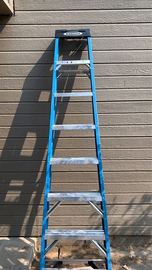 8ft Metal Ladder for Sale in Clovis, CA