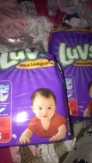 Newborn diapers and size 1 diapers. (Open) for Sale in Lorain, OH