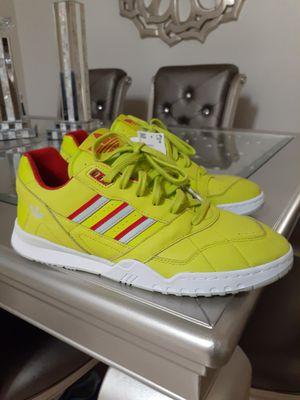 Men's Adidas A.R. Trainer for Sale in Chula Vista, CA