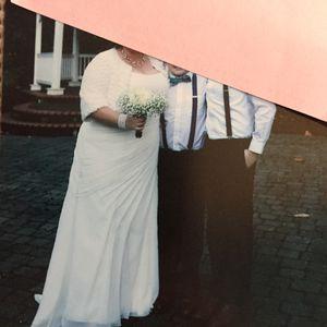 Wedding dress (size 22 W) for Sale in Milwaukie, OR