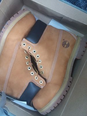 New timberlands boots mens size 10 1/2 for Sale in Walkersville, MD